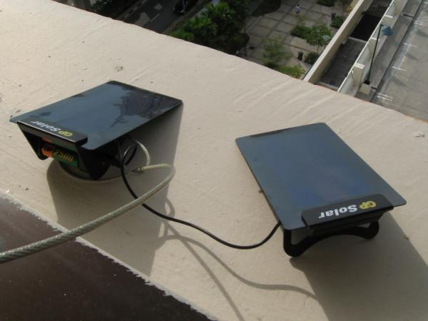 Universal oplader på solceller